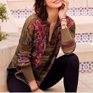 Johnny Was Marcella camo embroidered thermal top M